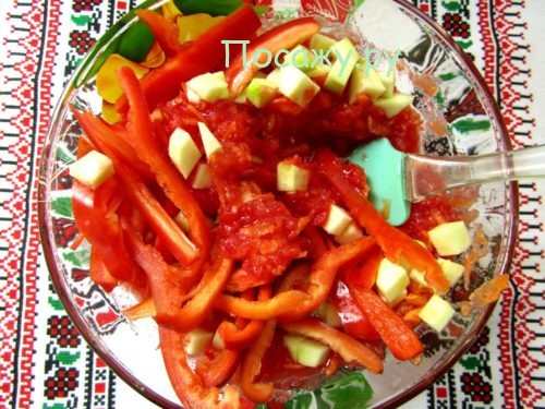 Салат на зиму из кабачков, болгарского перца и помидор