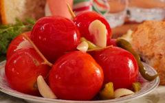 Квашеные помидоры на зиму в кастрюле